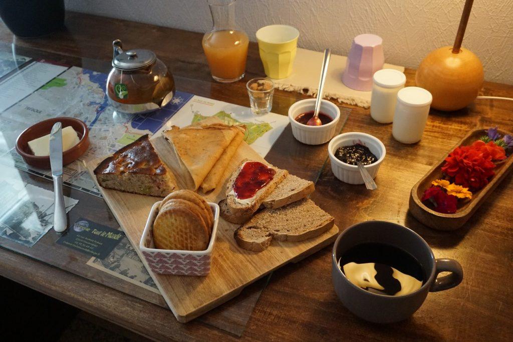 Chambre d'hôtes finistère et petit déjeuner dans la chambre