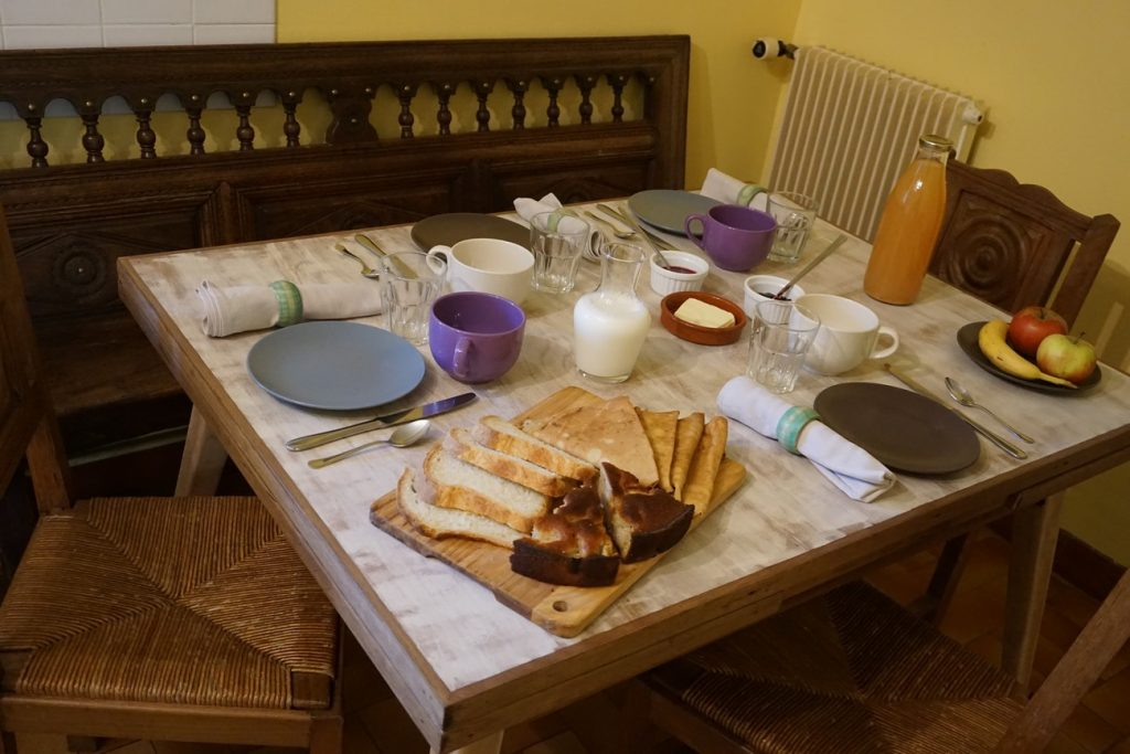 Chambre d'hôtes Finistère et petit déjeuner dans la cuisine